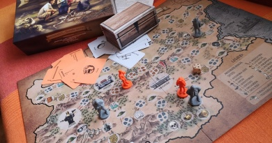 "game ""Archaeologists vs treasure hunters"""