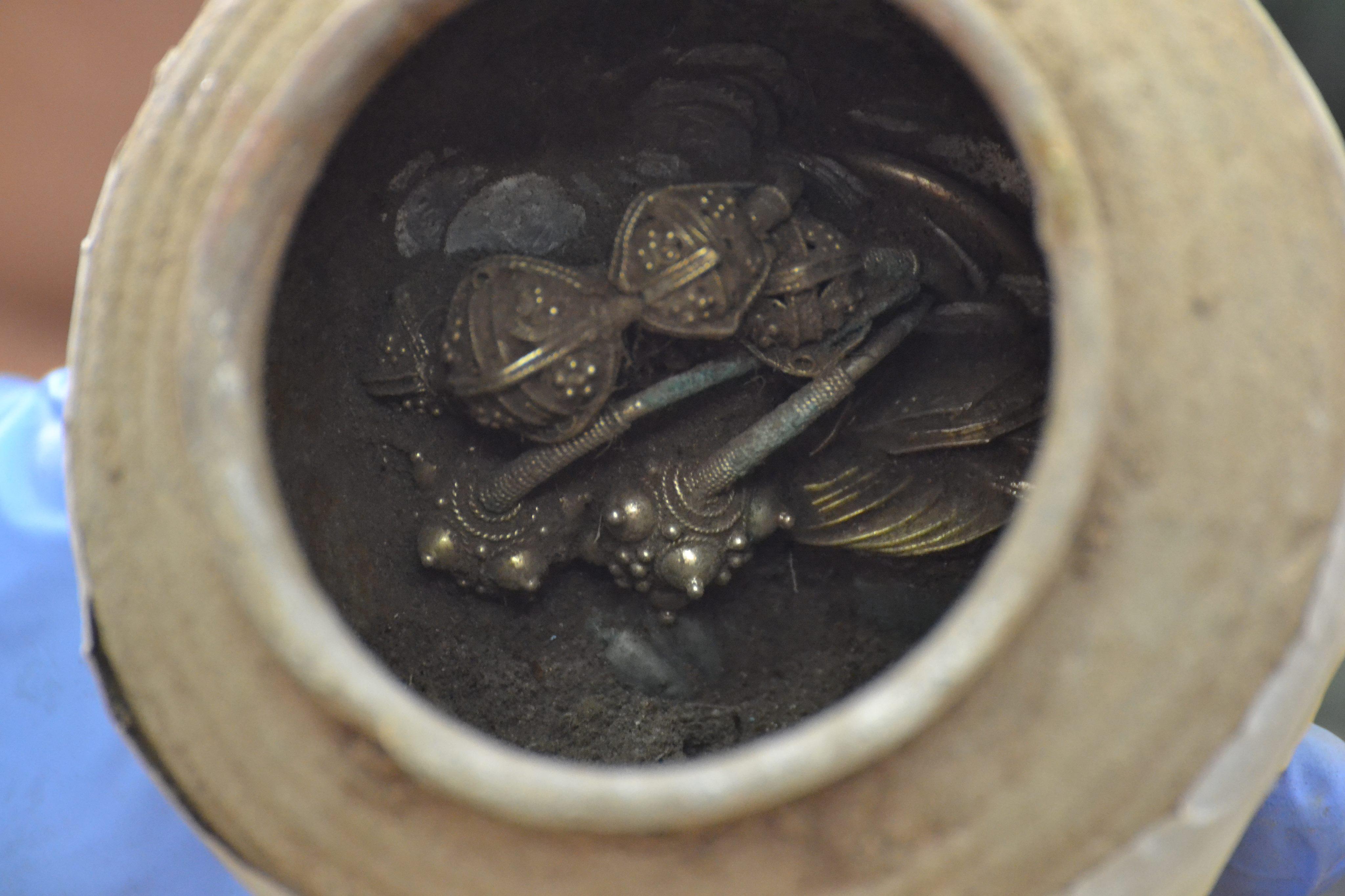 Златото в гърнето от Калиакра е плячка на грабители